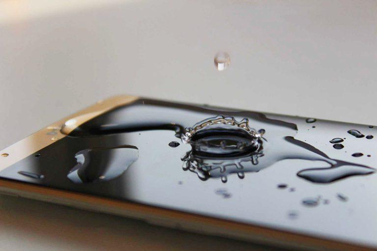Cellulare caduto nell'acqua